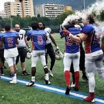 FOOTBALL USA: I GIANTS PIEGANO I PANTHERS E ACCEDONO AL SUPERBOWL
