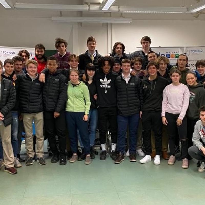 Gemellaggio Toniolo - High school di Boston U.S.A. ! Thank you guys !